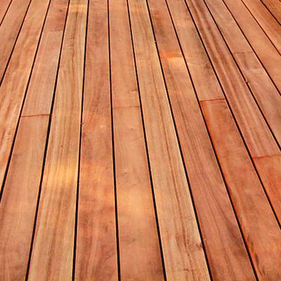 Deck de madeira Muiracatiara