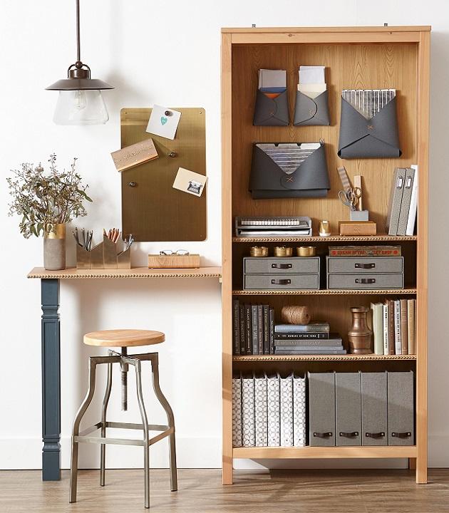 Unidade de madeira pinus para escritório ou home office.