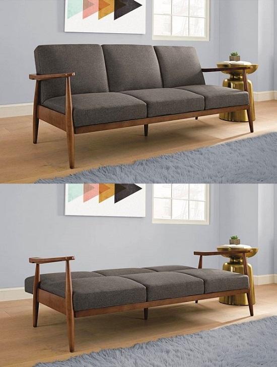 Sofá de madeira maciça em estilo futon para espaço pequeno.