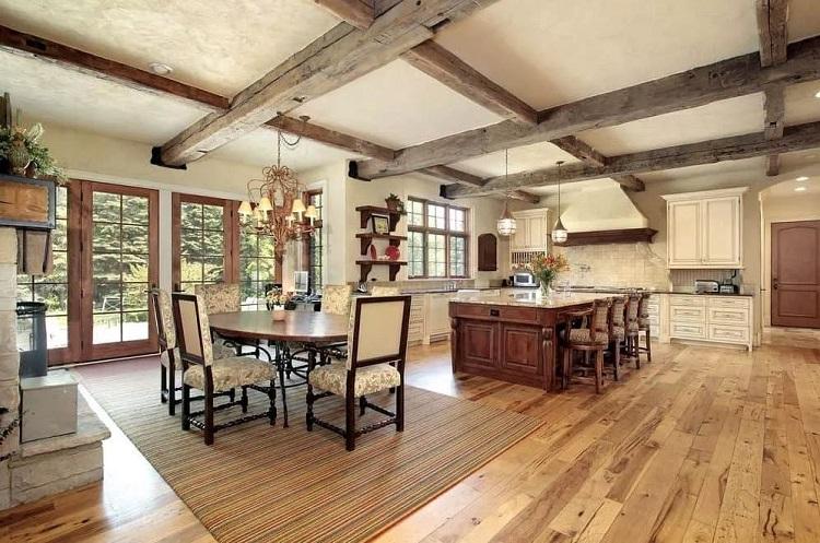 Sala de jantar em estilo rústico.
