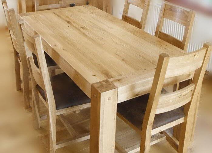 Mesa de madeira reflorestada pinus.
