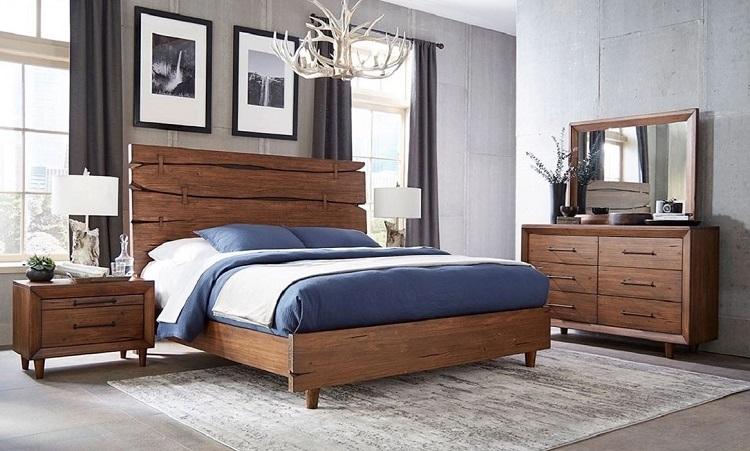 Quarto com móveis marrom de madeira.