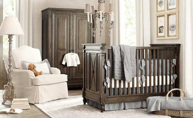 Quarto de bebê marrom comberço e guarda-roupa de madeira.
