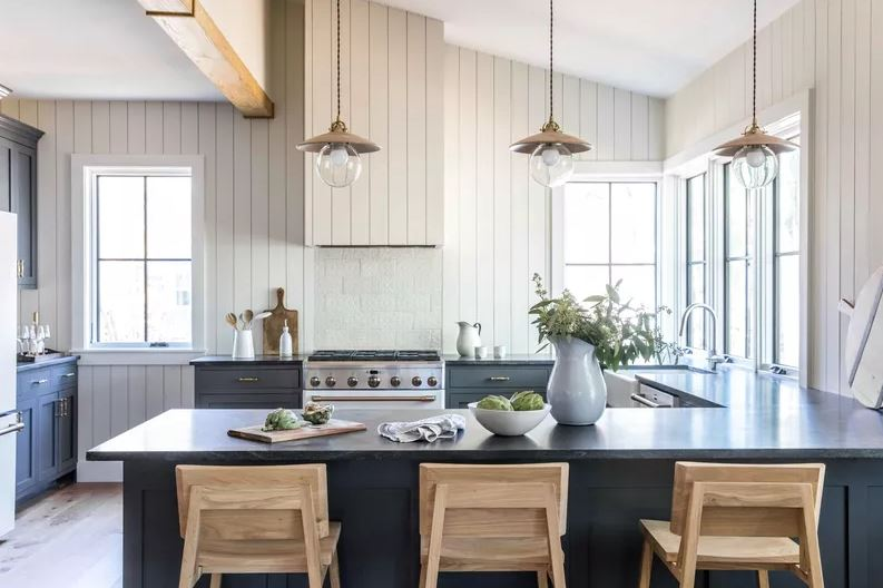 Elimine gabinetes volumosos para deixar sua cozinha integrada mais clean.