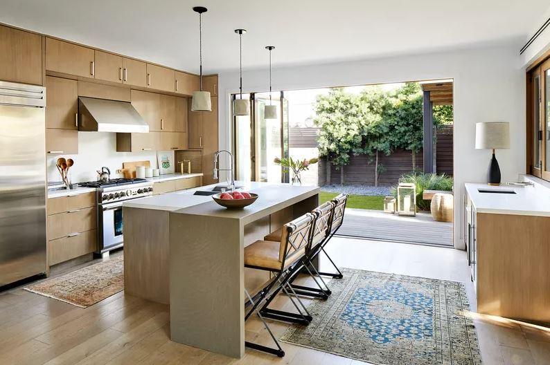 Cozinha integrada com a área externa.